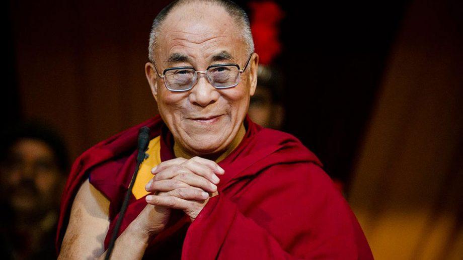 (video) Dalai Lama, liderul budismului tibetan, la aniversarea sa de 85 de ani, lansează un album muzical cu mante și învățături