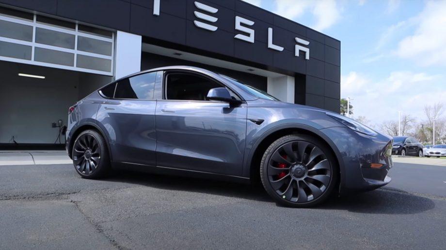 Tesla a devenit cea mai valoroasă companie producătoare de mașini din lume
